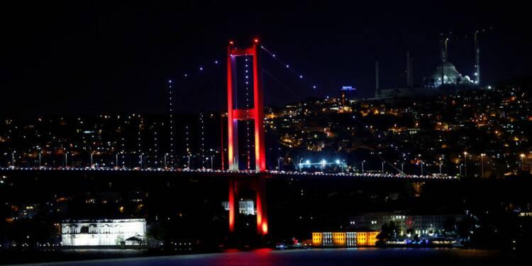L'armée dit avoir pris le pouvoir en Turquie