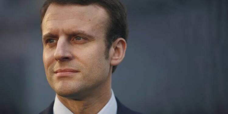 Emmanuel Macron pris à partie lors d'une visite d'usine