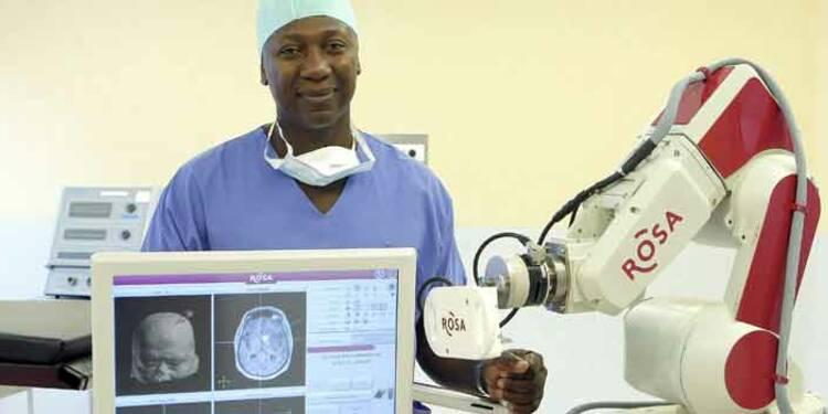 """Résultat de recherche d'images pour """"robot médical, rosa, colonne vertébrale"""""""