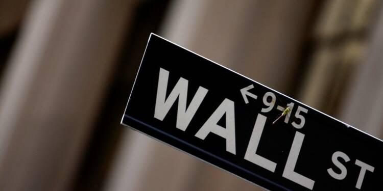 Wall Street ouvre en baisse, prudence avant les résultats