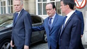 """François Hollande dénonce des """"tentations de diviser"""" le pays"""