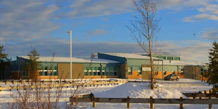 Fusillade dans une école canadienne, 5 morts, un suspect arrêté
