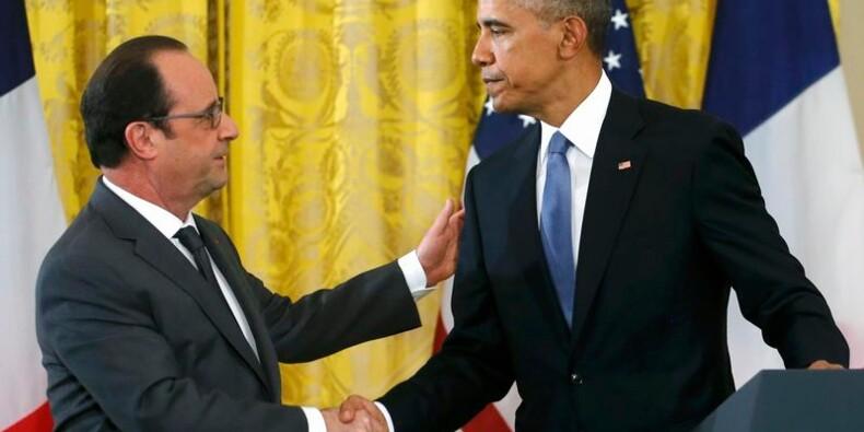 Appel de Hollande et Obama à intensifier les frappes contre l'EI