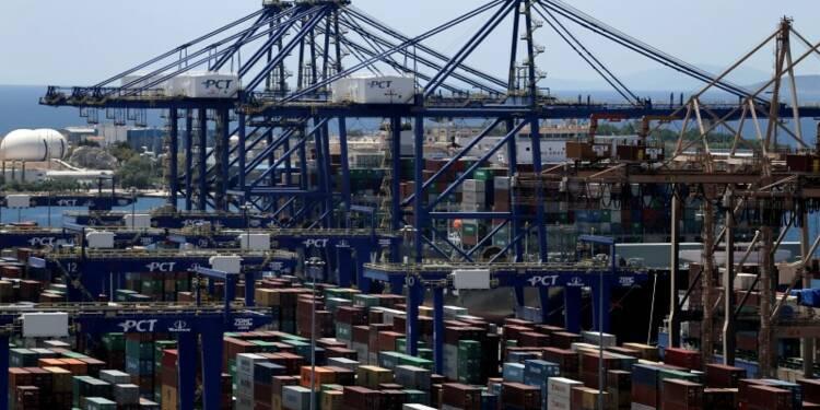 Le parlement grec ratifie la privatisation du port du Pirée