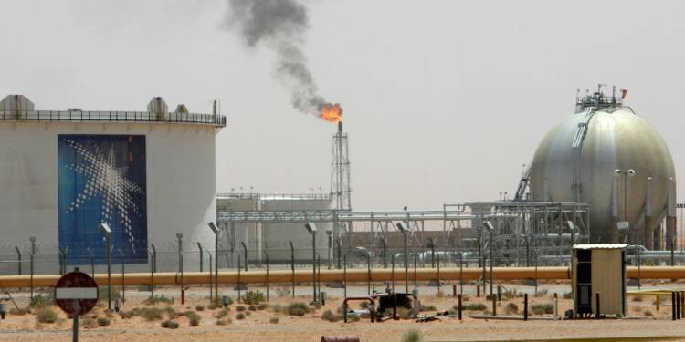 L'Arabie saoudite évoque une possible initiative sur le pétrole