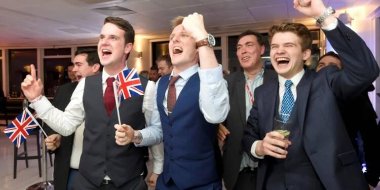 Le Brexit ébranle l'UE, le Royaume-Uni et les marchés