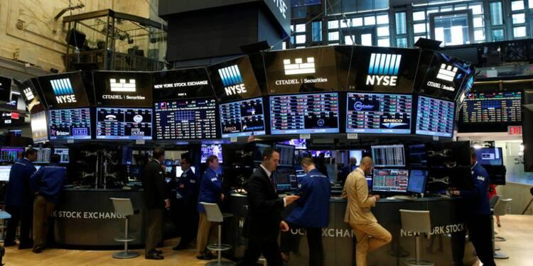 Wall Street termine en hausse avec bancaires et techs