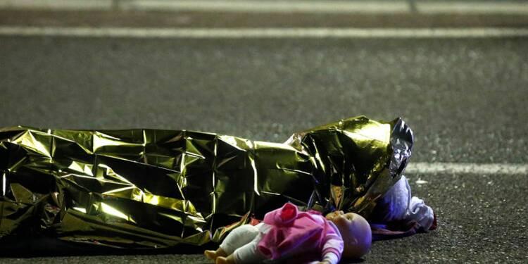Beaucoup d'étrangers et d'enfants parmi les victimes à Nice