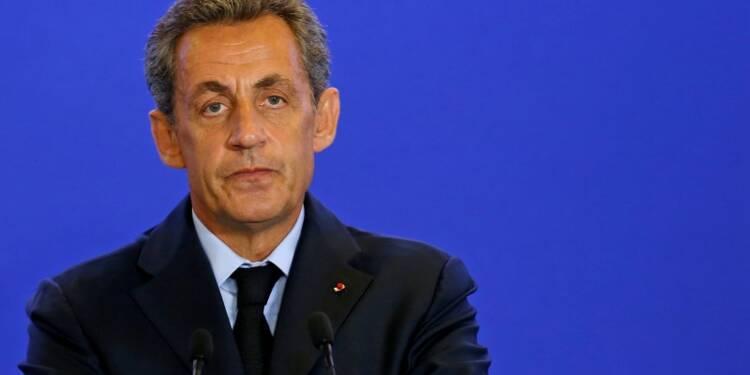 Sarkozy officialise sa candidature à la primaire de droite