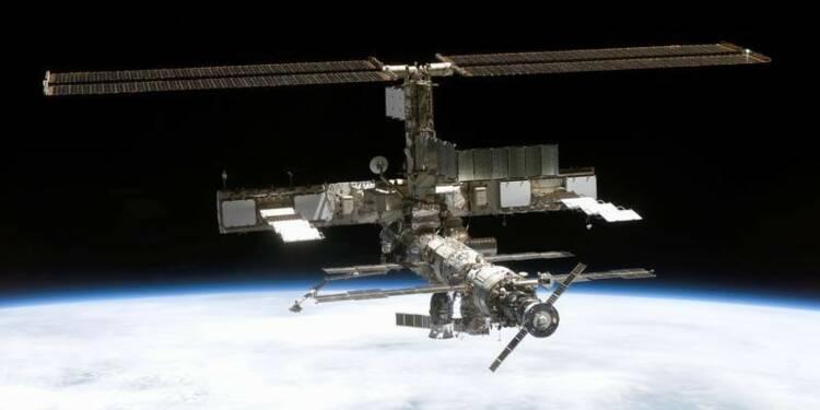"""Boeing et SpaceX construiront les """"taxis de l'espace"""""""