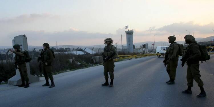 Deux Palestiniens abattus après avoir blessé un soldat