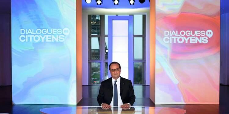 """Engagé """"jusqu'au bout"""", Hollande défend bec et ongles son bilan"""