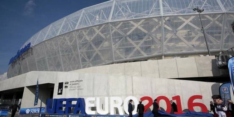 "Maintien des ""fan zones"" pour l'Euro 2016 de football"