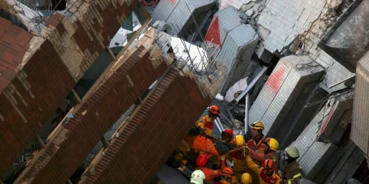 Quatre survivants retirés des décombres à Taïwan