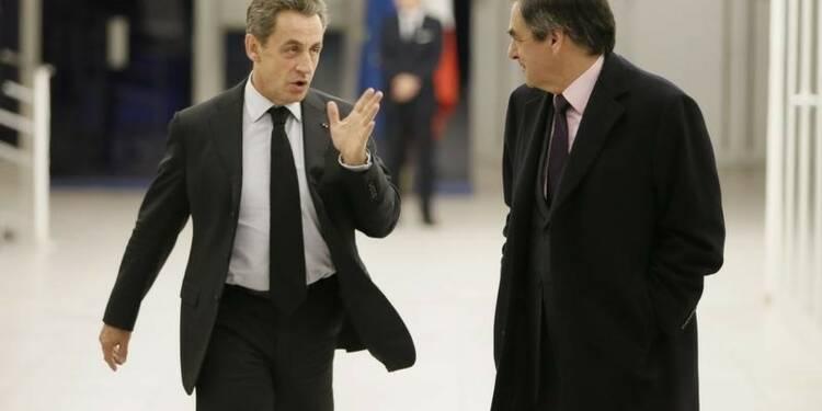 """Sarkozy est menacé par une """"épée de Damoclès"""", dit Fillon"""