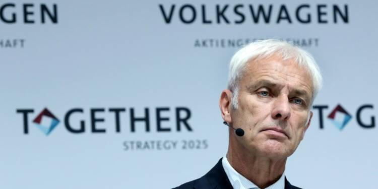 """Dieselgate: le patron de Volkswagen Matthias Müller demande """"pardon"""" aux actionnaires"""