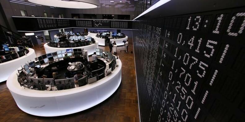 Les Bourses européennes débutent la semaine en hausse