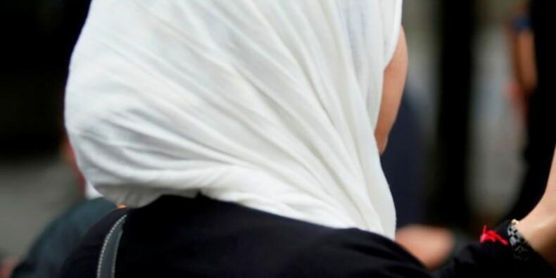 Vallaud-Belkacem contre l'interdiction du voile à l'université