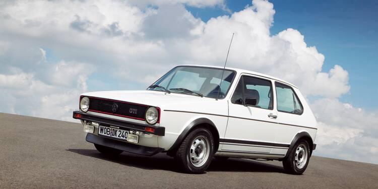 Volkswagen Golf, 1974 : Succès fou et sensationnelle version GTI