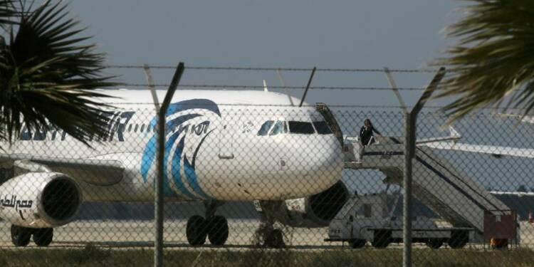 Sept personnes encore à bord de l'avion d'Egyptair