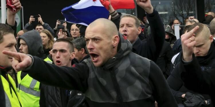 Manifestation interdite à Calais, une vingtaine d'interpellés