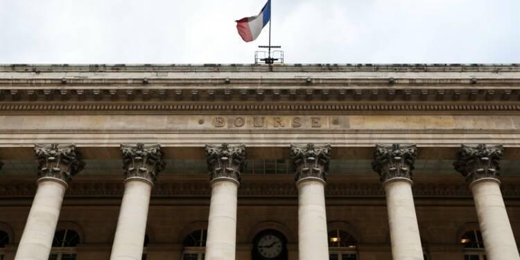 Les Bourses européennes terminent en hausse, faibles volumes