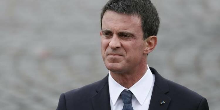 """Valls plaide l'union pour """"casser le triptyque du terrorisme"""""""