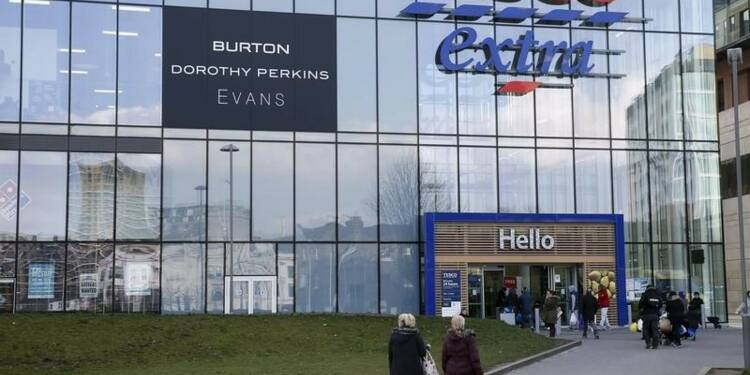 Tesco poursuit sa restructuration et cède Dobbies