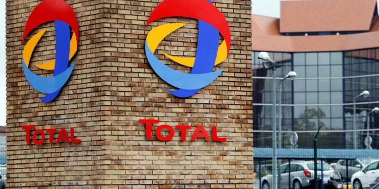 Moody's abaisse la note de Total à Aa3