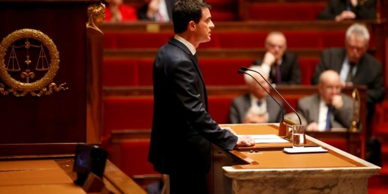 Manuel Valls défend la réforme de la Constitution à l'Assemblée