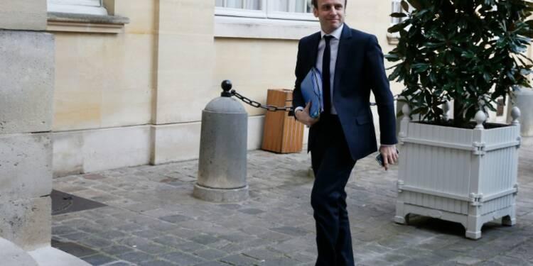 A un an de la présidentielle, les salaires des fonctionnaires font polémique en France