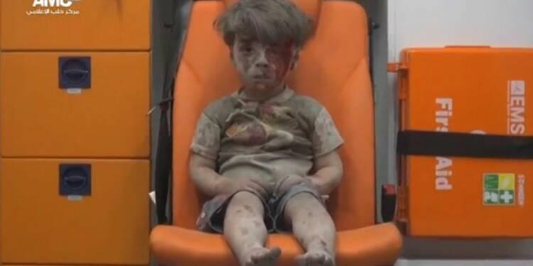 """Un petit garçon de cinq ans, """"vrai visage"""" de la guerre en Syrie"""