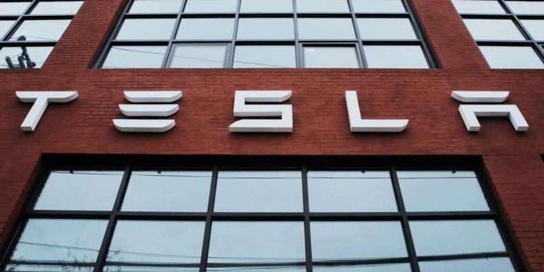 Tesla augmente ses dépenses et sa production