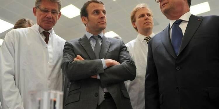 Macron dénonce des manoeuvres pour fragiliser Hollande
