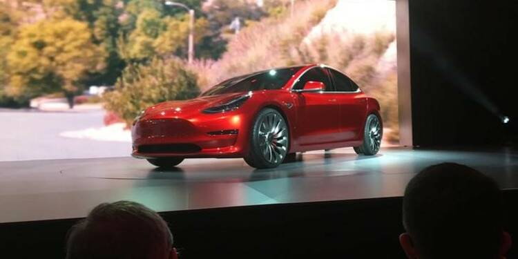Tesla financera le lancement de la Model 3 par vente d'actions