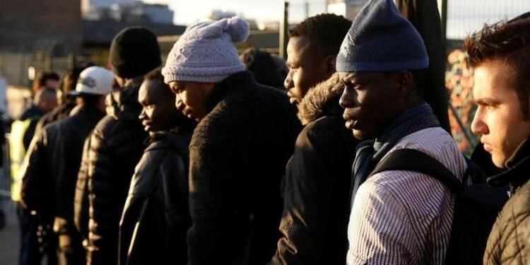 Evacuation de camps de migrants dans le nord de Paris