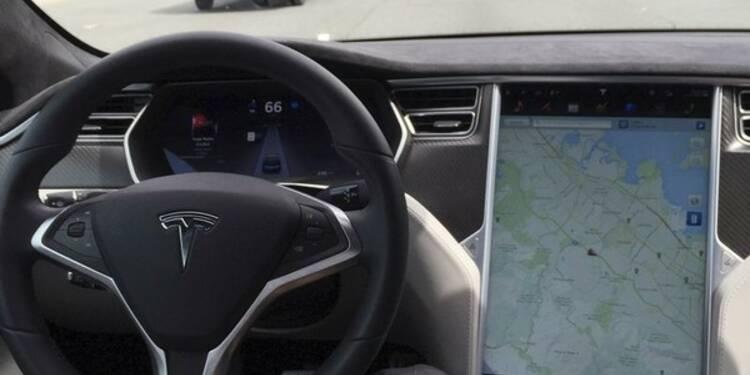 Enquête sur Tesla après un accident en pilotage automatique