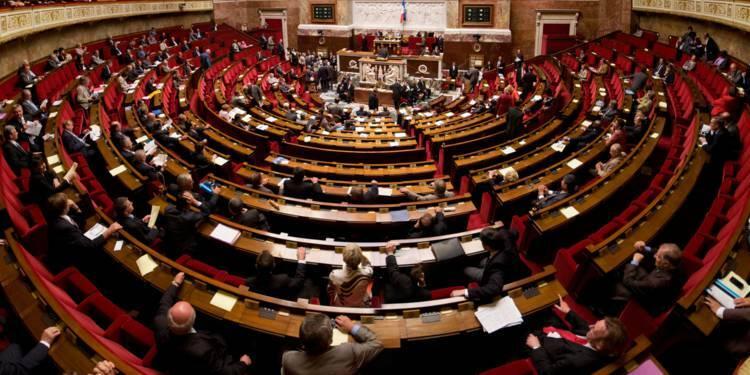 Législatives 2017 : cette simulation qui donne un seul siège au PS. Et la majorité absolue à Macron