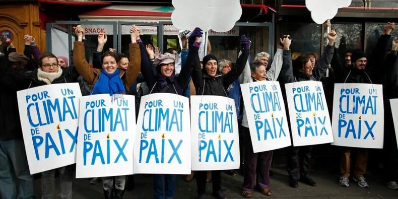 Des rassemblements à Paris pour le climat, quelques débordements