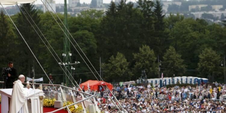Devant la Vierge noire, le pape salue la foi des Polonais
