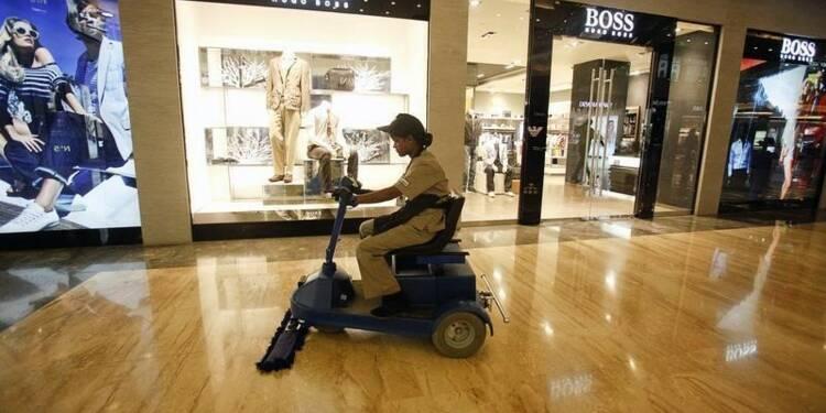 Hugo Boss coupe dans ses ouvertures de magasins