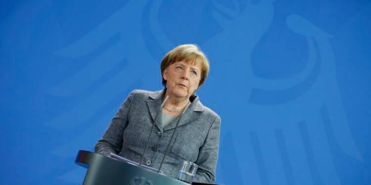 Une tête de cochon découverte devant des bureaux d'Angela Merkel