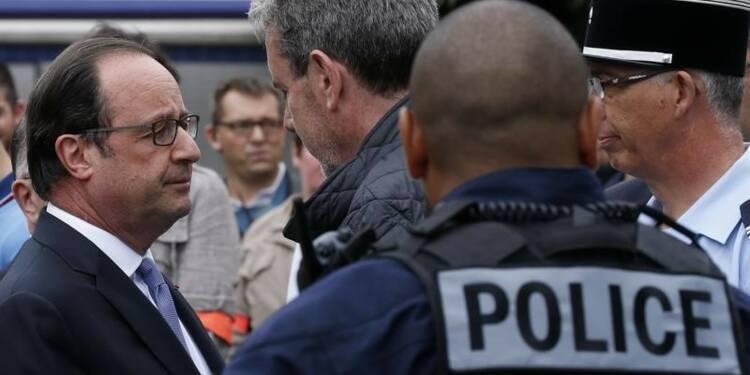 Hollande assure au pape que les églises seront protégées