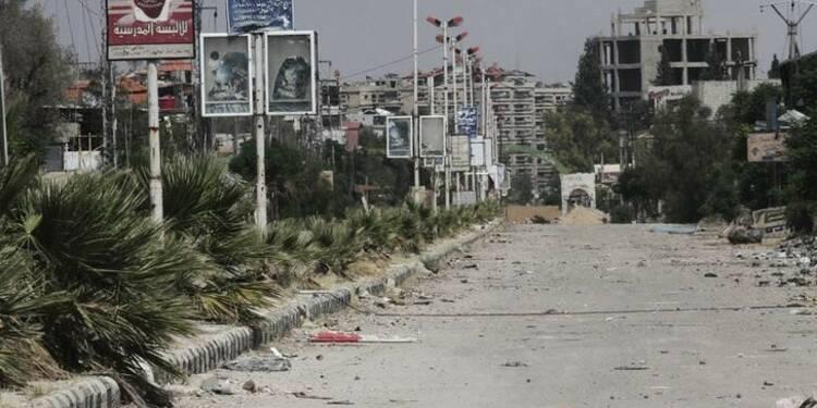 Aide humanitaire dans une ville syrienne assiégée depuis 4 ans