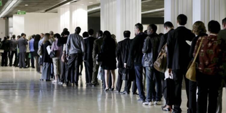 Le nombre de chômeurs vole de record en record