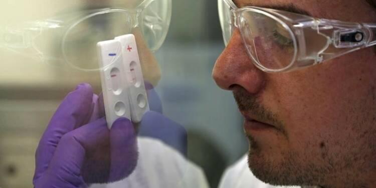 Hollande renonce aux annulations de crédits pour la recherche