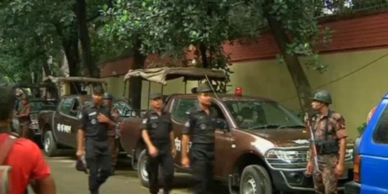 Vingt personnes tuées par des islamistes à Dacca