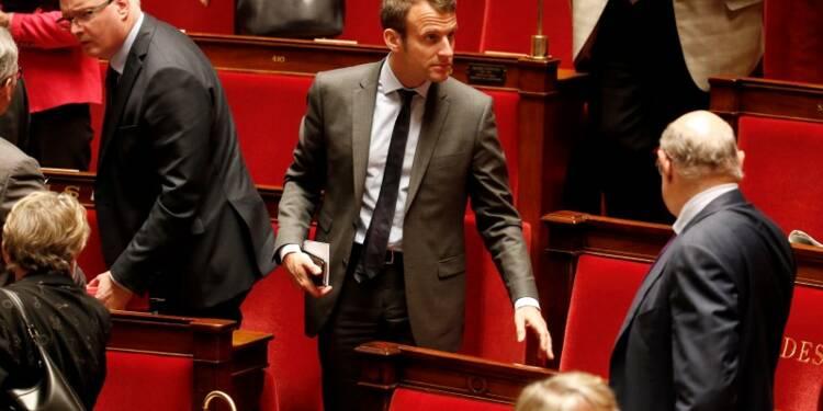 L'entourage de Macron dément tout projet de candidature en 2017