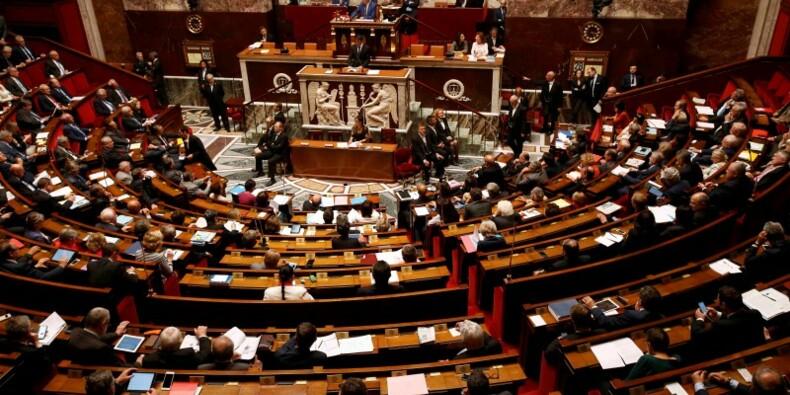 Le Parlement prolonge de six mois l'état d'urgence