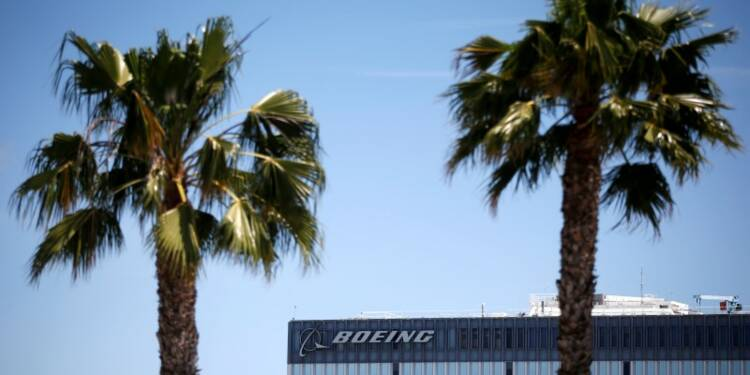 Boeing confirme un accord avec IranAir pour l'achat d'avions